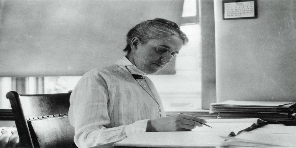 Henrietta Leavitt at her desk